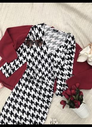 Актуальное платья платье трендовое в принт платья сукня жіноча на запах