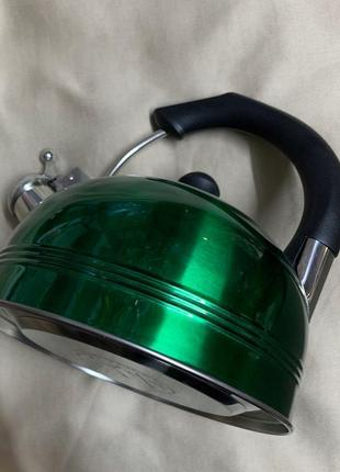 Чайник для плити, чайник сосвистком.
