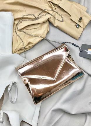 Золотистая мини сумочка-клатч