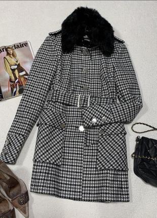 Стильне, шикарне пальто , розмір л, але маломірить