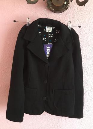 Трикотажный пиджак для девочки на рост 140,146,152