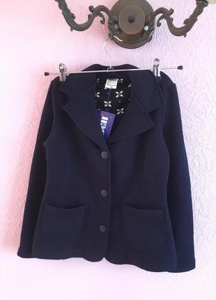 Пиджак для девочки на флисе на рост 140,146