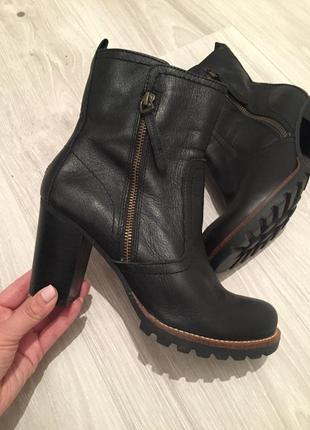Кожаные сапоги ботинки tommy hilfiger