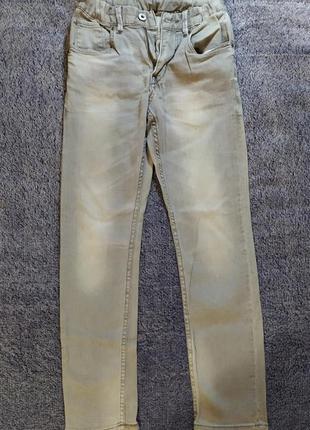 Светло серые джинсы
