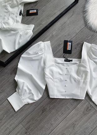 Белая короткая блуза-топ с обьемными рукавами