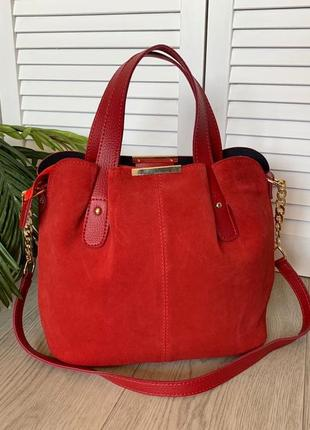 Красная замшевая женская сумка стильная среднего размера
