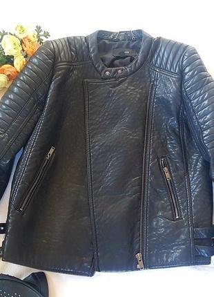 Плотная правильная куртка косуха оверсайз от mango
