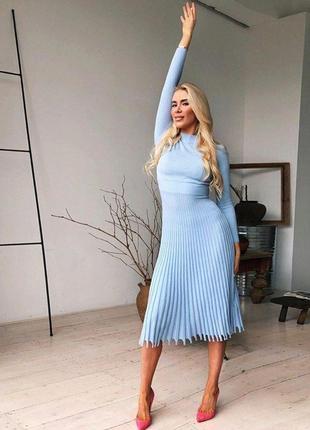 Теплое платье миди / платье с плиссированной юбкой / платье плиссе