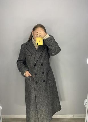Тёплое двубортное пальто