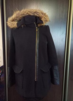 Отличное демисезонное пальто косуха.