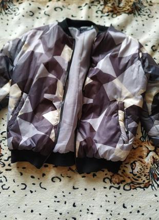 Куртка с оригинальной расцветки