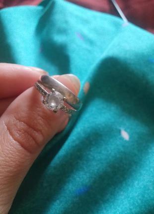 Серебрянное кольцо с цирконием 925 проба размер 17