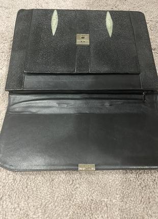 Шикарный портфель  полностью сшитый из кожи ската