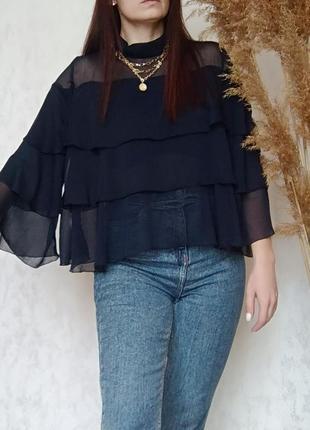 Шикарна блуза з воланами від zara