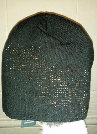 Стильная шапка со стразами черная качественная