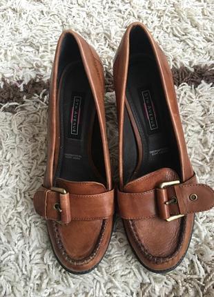 Туфлі шкіряні