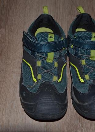 Деми кроссовки quechua 32р