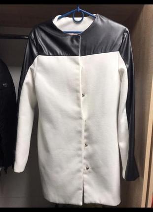 Пальто белое кашемировое кур-кожа