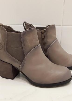 Ботинки кожаные bugatti р.38 (37,5) германия