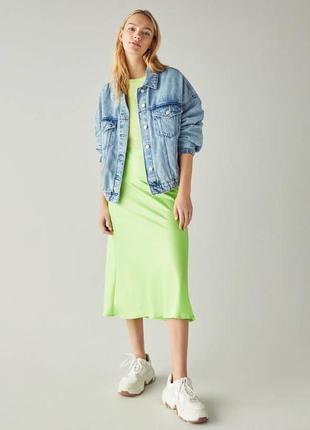 Салатовая сатиновая юбка миди