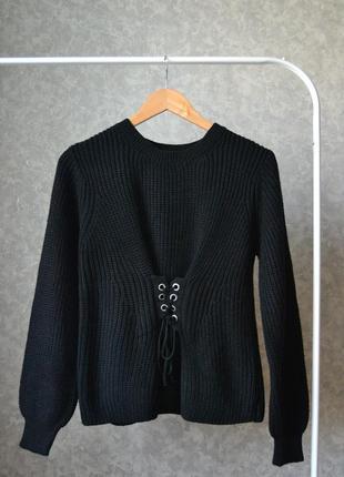 Черный свитер со шнуровкой (имитация корсета)