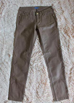 Джинсы брюки змеиный принт беж montego 38