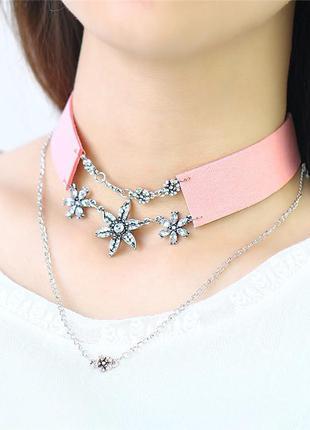 Розовый, персиковый чокер, серебристая подвеска, кулон, с металлической цепочкой, лента