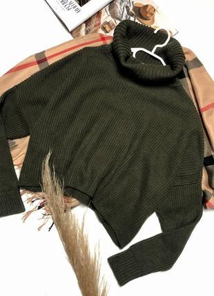 Красивый свитер в ручбчик,цвета хаки