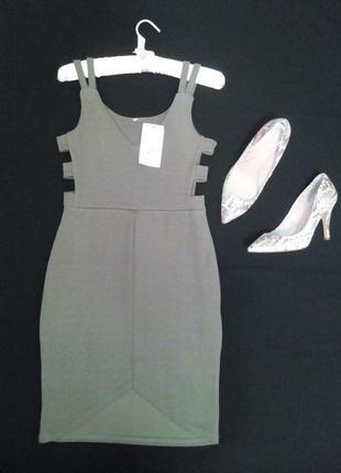 Новое классное платье хаки р.8
