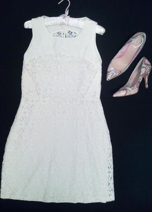 Кружевное бежевое платье р. м(46)