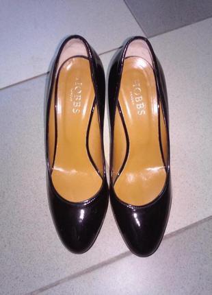 Лаковые туфли 36 размер