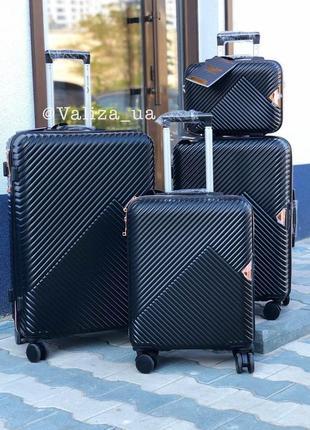 Комплект чемоданов из поликарбоната премиум малый, средний, большой + бьюти кейс черный