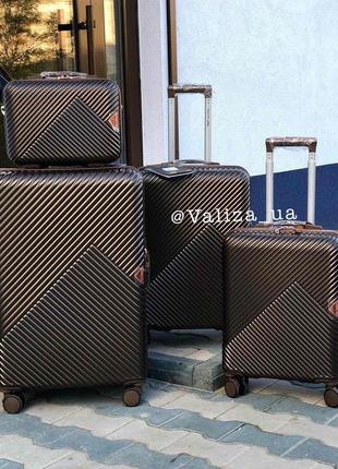 Комплект чемоданов из поликарбоната премиум малый, средний, большой + бьюти кейс кофейный