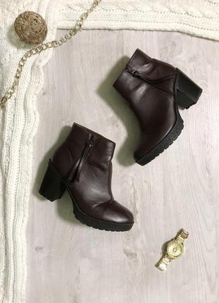 Чоботи/ботинки/черевики/челсі/чоботи на товстому каблуку/стійкий каблук.