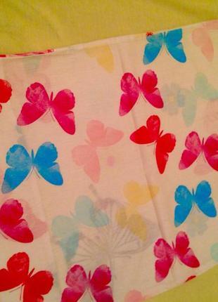 Наволочка с разноцветными бабочками