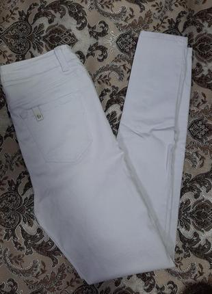 Белые джинсы скинни, джегинсы, белые брюки