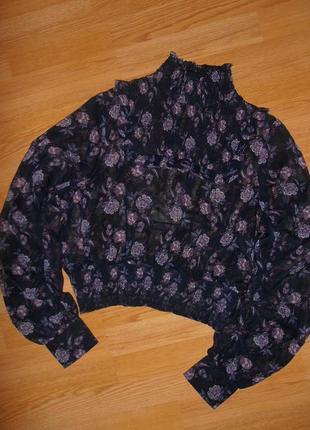 Очень красивая блуза в цветочный принт h&m