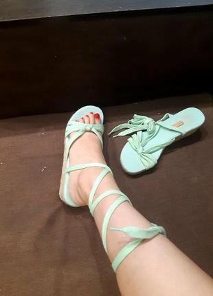 Босоніжки босоножки на  шнурках на завязках на шнуровке flip flop
