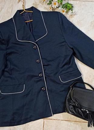 Красивый стильный легкий синий пиджак большой размер