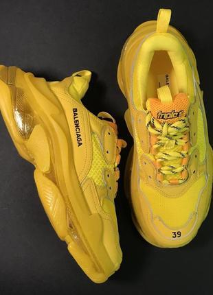 Кроссовки balenciaga triple s clear sole жёлтые