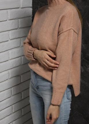Актуальный бежевый свитер