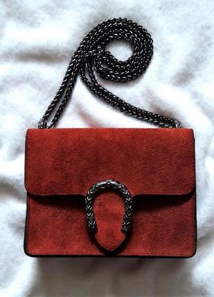 Замшевая бордовая сумка на цепочке borse in pelle