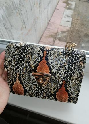 Красивая сумочка змеинный принт