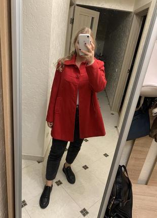 Красное пальто 😍