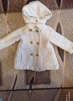 Пальто молочного кольору  для дівчинки