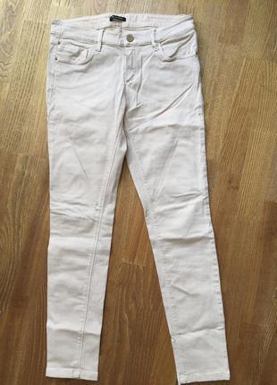 Светло-бежевые джинсы massimo dutti