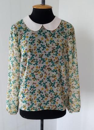 Шифоновая блуза с дринными рукавами.