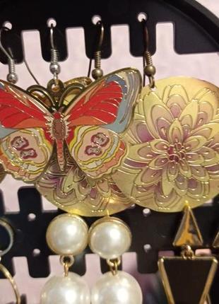 Новые серьги две пары,бабочки,цветок