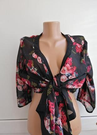 Блуза черная красная цветочный принт