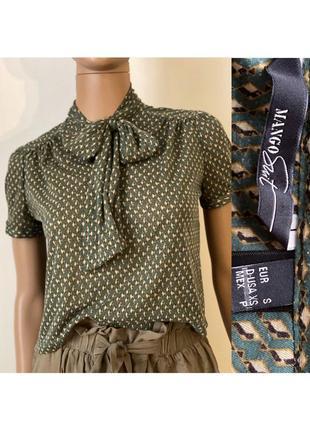 Укорочена блуза с бантом